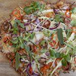 Pizza vegetal con masa de coliflor