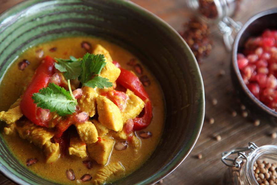 Pavo a la crema de coco y curry rojo