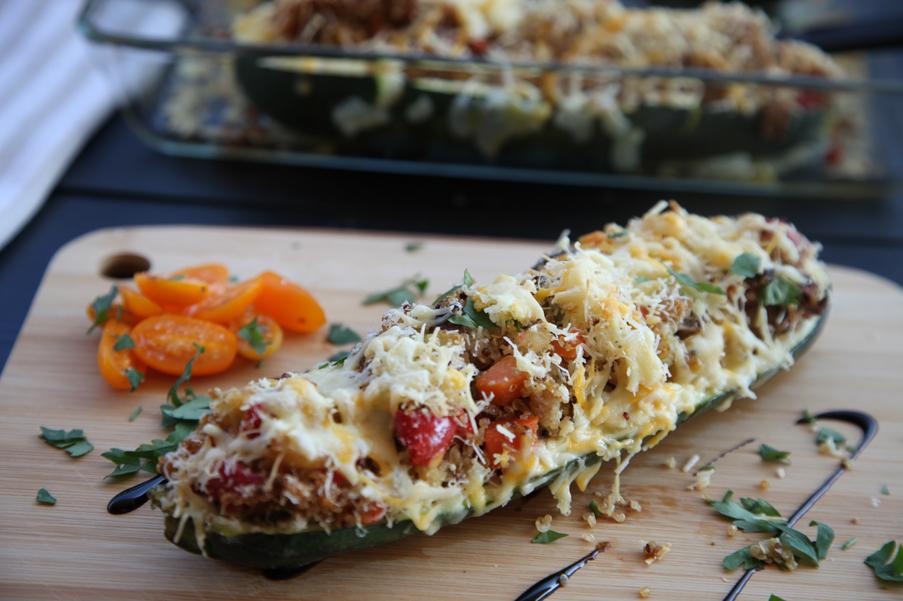 Calabacines rellenos de verduras y foie de pato