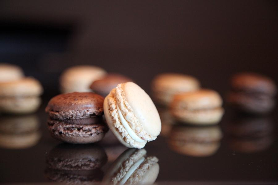 Macarons de chocolate y vainilla